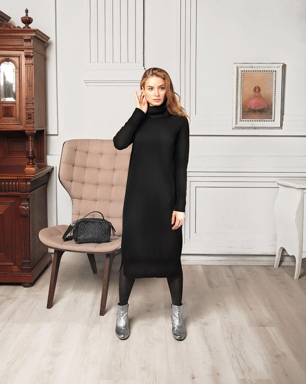 Кашемировое платье черного цвета с двойным отворотом