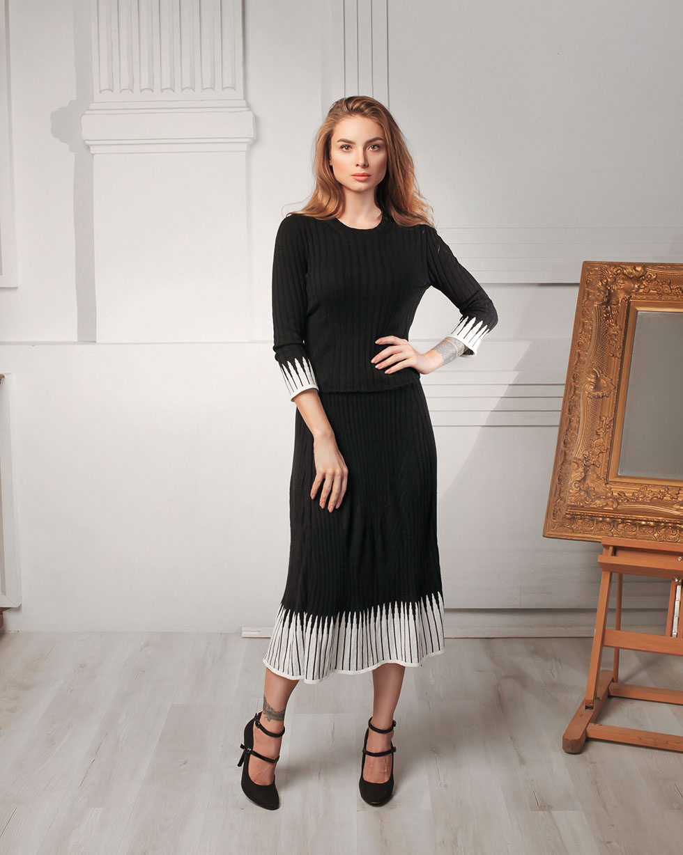 Летний комплект Черный юбка и футболка с вставками Молочного цвета