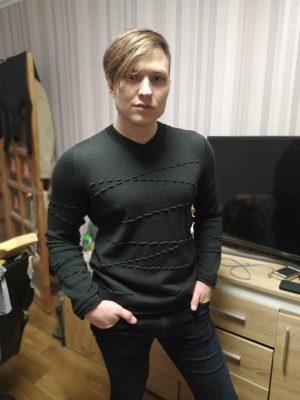 Фото отзывы покупателей LikeOn Мужской свитер из мериноса с декором