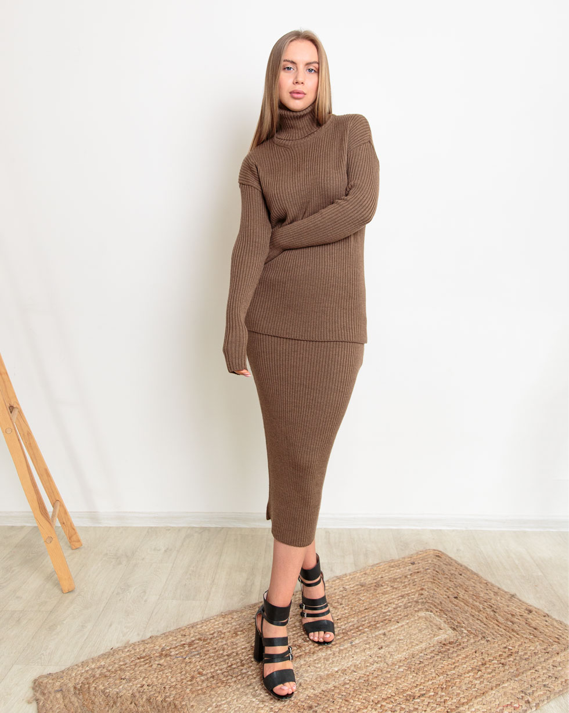 Свободный юбочный костюм из мериносовой шерсти Коричневого цвета LikeOn