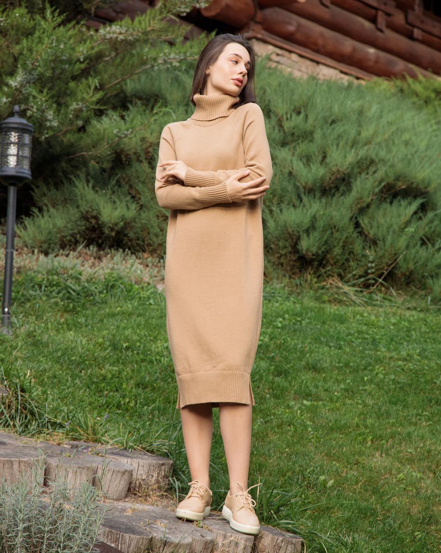 Кашемировое платье в цвете Золотой Беж с двойным отворотом