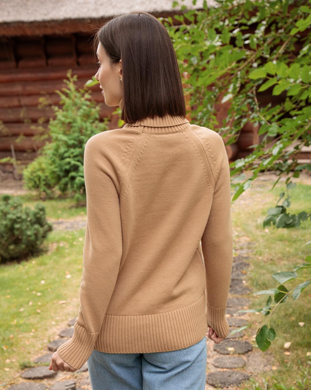 Кашемировый свитер оверсайз с двойным отворотом в цвете Золотой Беж