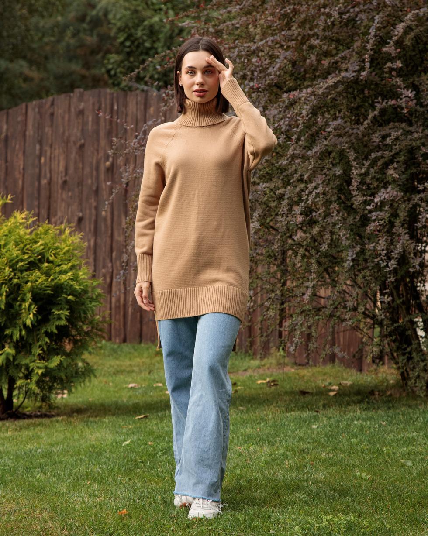 Кашемировый удлиненный свитер оверсайз цвета Золотой Беж с двойным отворотом