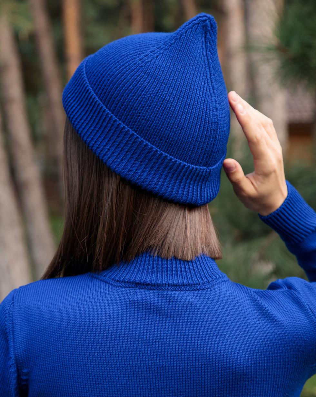 """Шапка из итальянской мериносовой шерсти """"Колокольчик"""" в цвете """"Magic Blue"""""""
