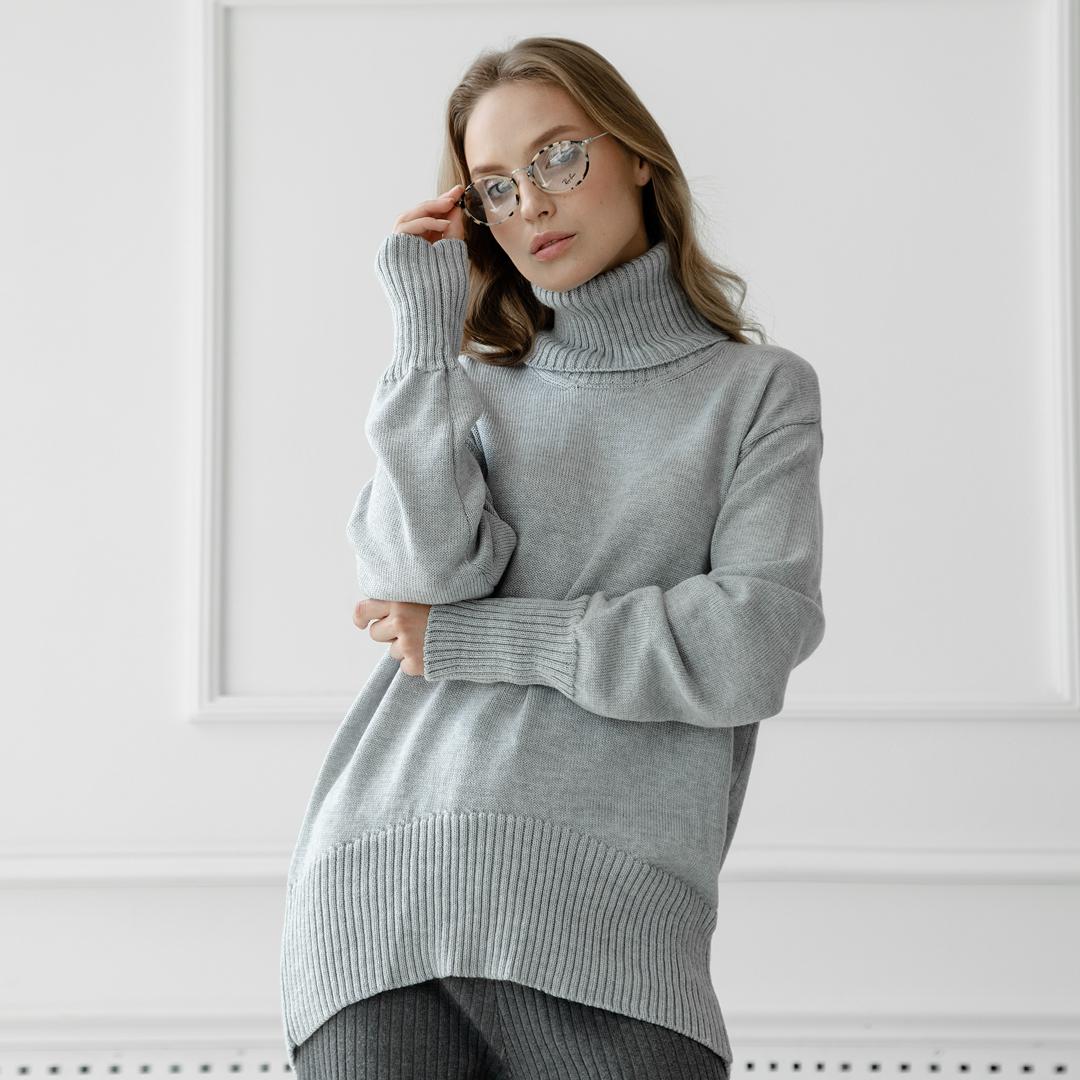 Скругленный свитер свободной посадки Oversize из мериноса Пепельного цвета от LikeOn